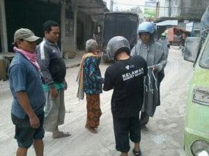 Erupsi Gunung Kelud, DD Jogja Bagikan Masker