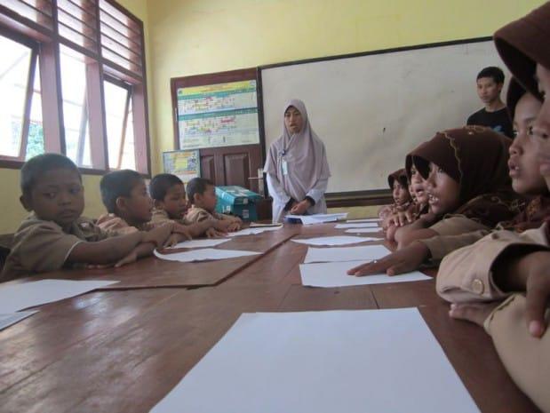 Jamilah Sampara, SPd., Guru SGI Dompet Dhuafa yang bertugas di SDN Banyuasih, Pandeglang, Banten. (Foto: Dokumen SGI)